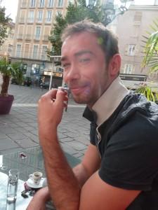 1 Tournage ce soir on sait qu'on s'aime Accueil au café avant le travail Julien